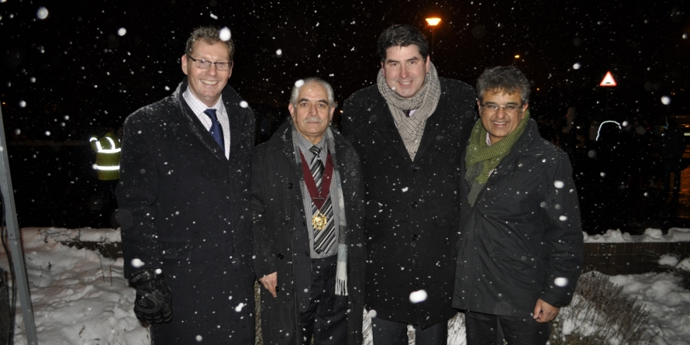 Christmas tree lights the way for New Health Centre in Meir